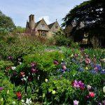 hidcote-manor-april-30-2014-photo-hartlepoolmarina2014-via-wikimedia-commons
