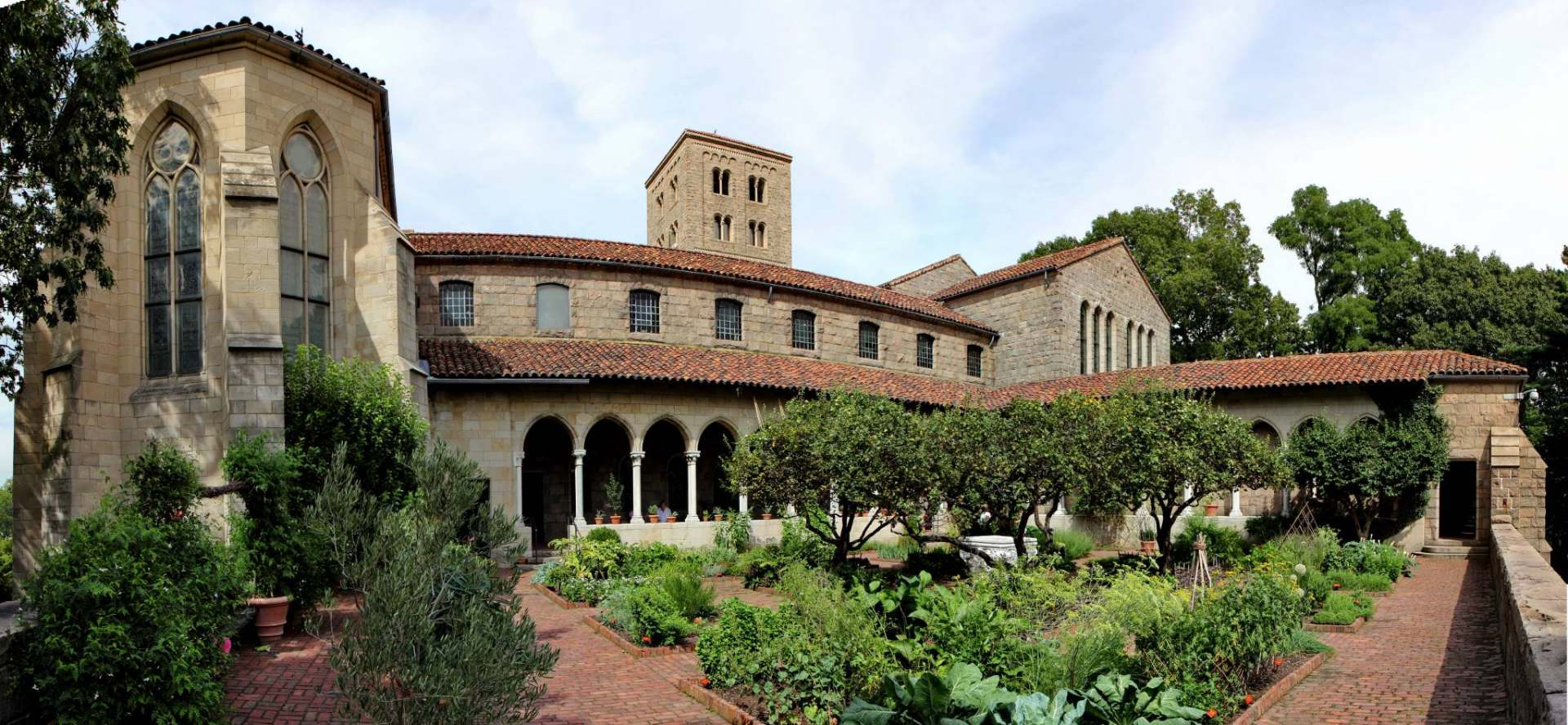 MetFridays-Cloisters